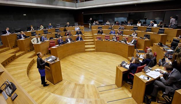 Intervención de Uxue Barkos en el pleno del Parlamento.