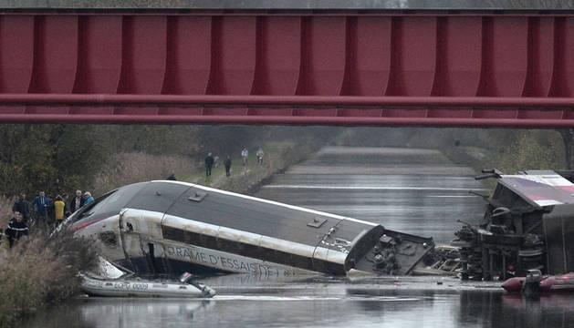 Cinco muertos al descarrilar un tren en pruebas en Alsacia