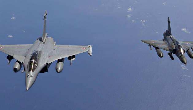 Francia bombardea masivamente al Estado Islámico en Siria