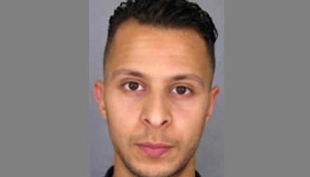 La Policía publica la identidad de un sospechoso a la fuga de los ataques terroristas