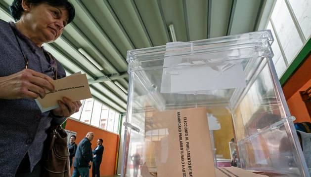 El Pleno del Ayuntamiento de Pamplona elegirá por sorteo a los miembros de las 266 mesas electorales.