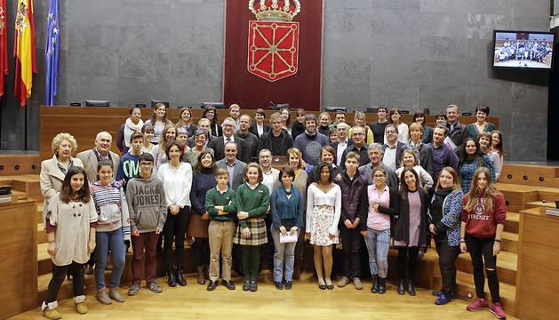 Participantes en el acto con motivo del 26 aniversario de la Convención de los Derechos de la Infancia.