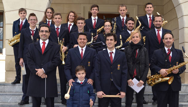 Azagra y San Adrián marchan a ritmo de banda por Santa Cecilia