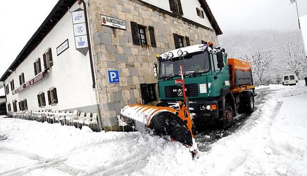 La nieve ha llegado a Navarra a un mes del comienzo del invierno