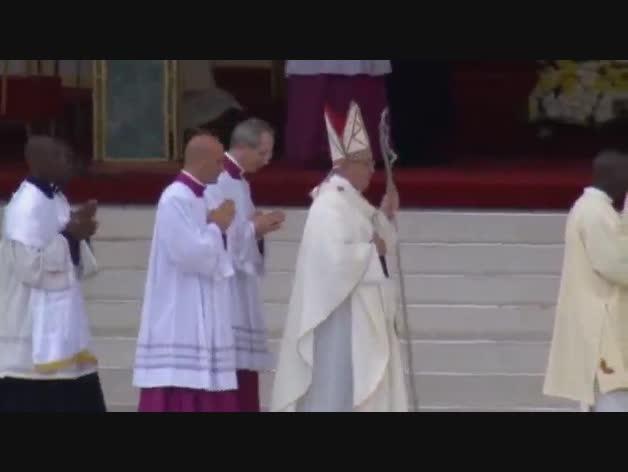 Multitudinaria misa del Papa Francisco en Nairobi