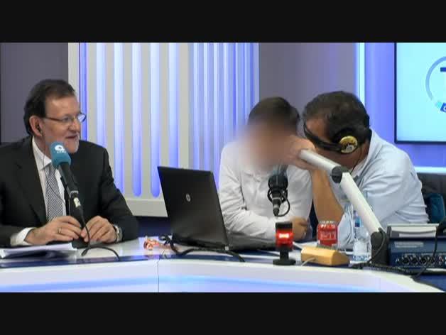La colleja de Rajoy a su hijo por meterse con Manolo Lama.