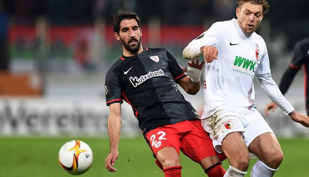Raúl García, este jueves contra el Augsburgo.