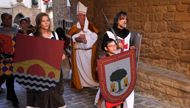 Desfile en los medievales de Artajona de este verano.