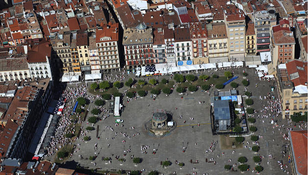 Imagen aérea de la plaza del Castillo.