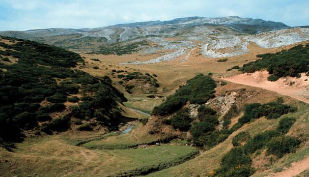 Vista del monte Irumugarrieta.
