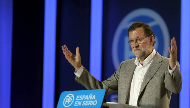 Mariano Rajoy durante su intervención en un mitin en la localidad de Estepona.