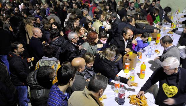 Cientos de personas participaron en la merienda organizada para celebrar el día de la zorra.