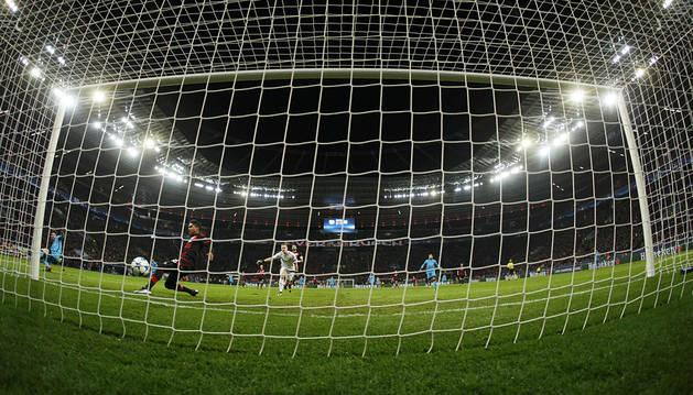 El Barça amarga la fiesta al Bayer de Leverkusen