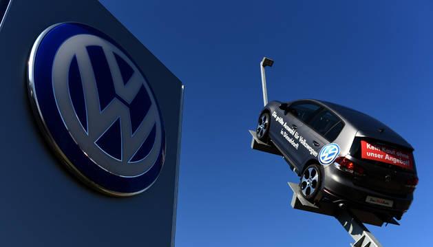 Imagen de la fachada de la central de Volkswagen en Düsseldorf.