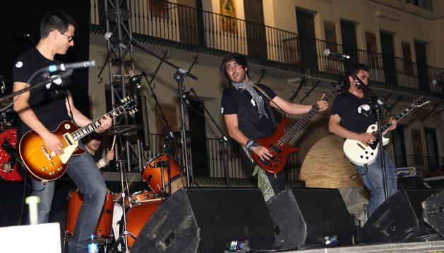 El grupo de rock Las Gafas de Mike presenta su nuevo trabajo