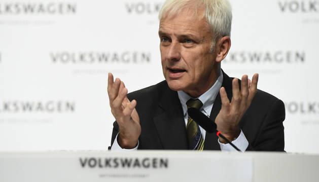 El presidente de VW garantiza las inversiones en la fábrica de Navarra