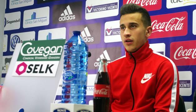 Álex Berenguer, en rueda de prensa.