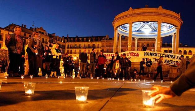 Imagen de archivo de una concentración en Pamplona contra la violencia machista.