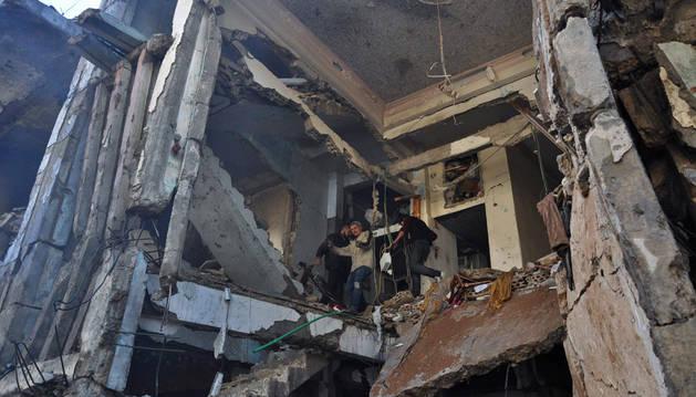 Al menos 22 muertos tras estallar un coche bomba en Horms (Siria)