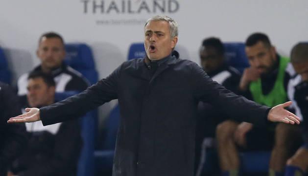 Mourinho, contra el Leicester.