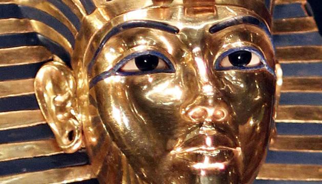 La máscara dorada del faraón Tutankamón.