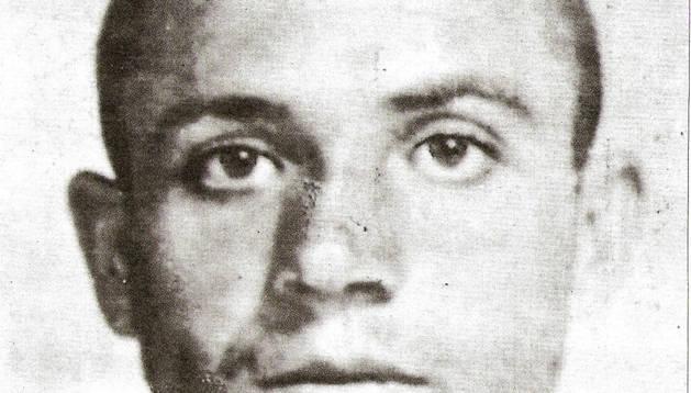Descubiertas once cartas de Miguel Hernández