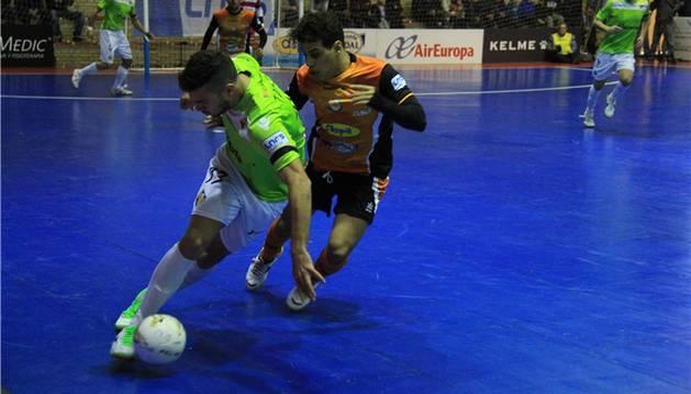 El Aspil-Vidal, contra el Palma Futsal.