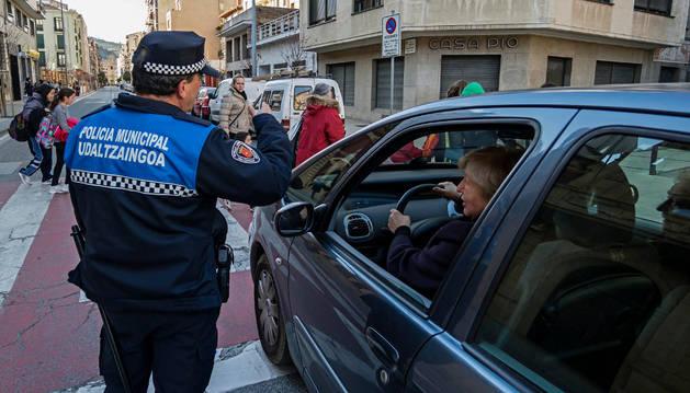 Marcha atrás en la exigencia del euskera para la Policía Municipal