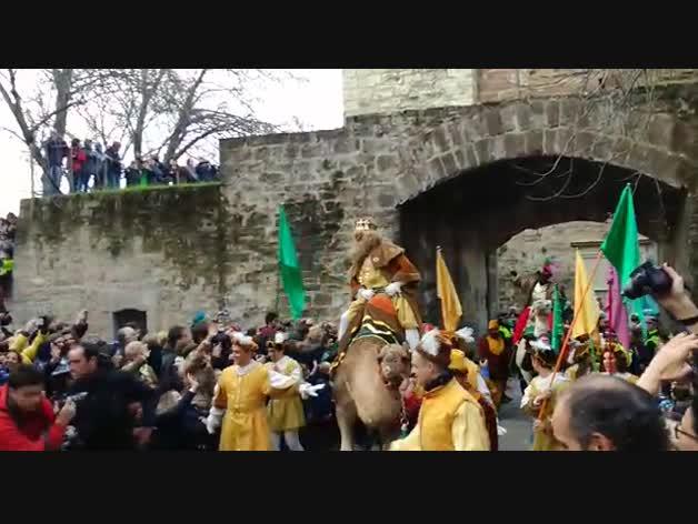 Los Reyes Magos entran en Pamplona