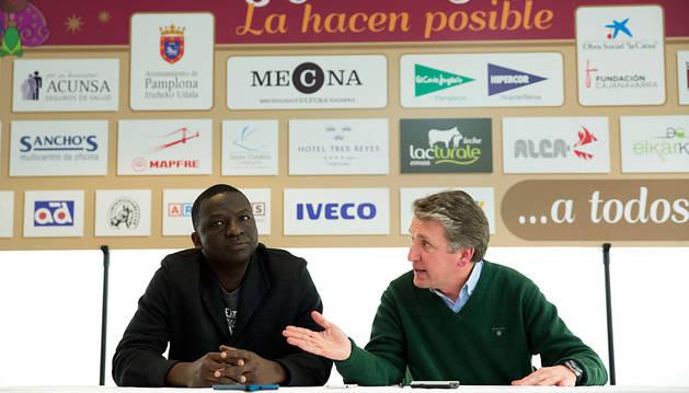 Ciseé Mbongo (izda.) y Jesús Ayala (dcha.) en la rueda de prensa.