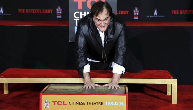 Tarantino inmortaliza sus huellas en el Teatro Chino.