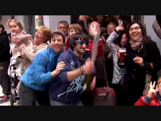 El número 22.654, primer premio de 'El Niño', se reparte por toda España