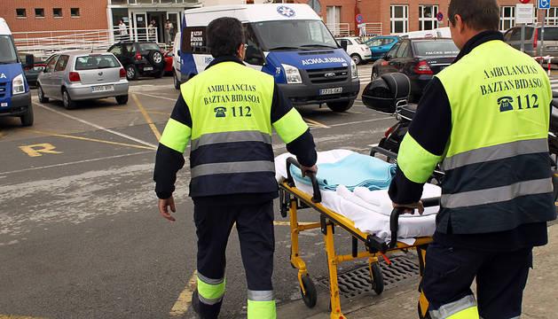 Los técnicos de ambulancias solicitan ser personal sanitario