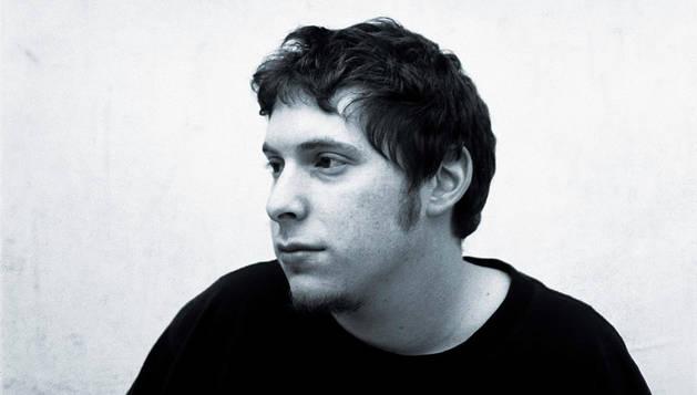 Andrés Lewin.
