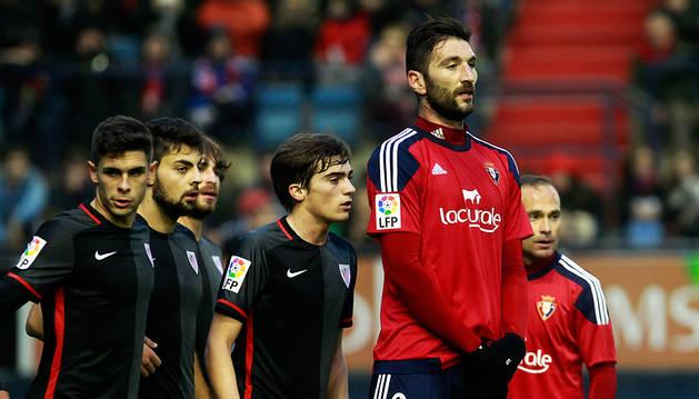 Bogdan Milic, en un partido con Osasuna.