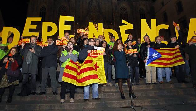 Concentración frente a la catedral de Barcelona.