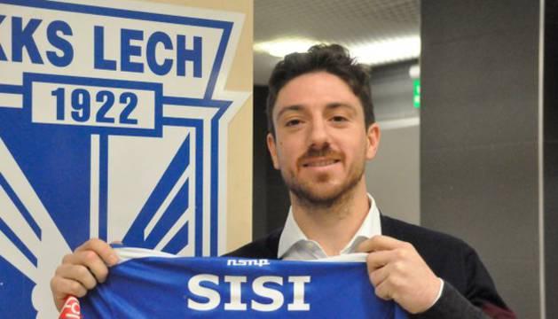 Sisi, nuevo jugador del Lech Poznań.