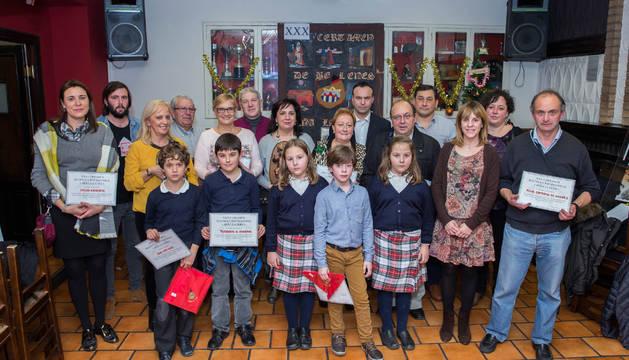 Los galardonados en la XXX edición del certamen de belenes que organiza la peña La Teba.