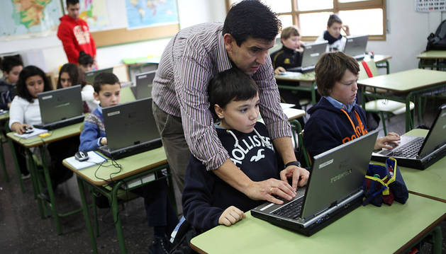 Navarra pierde 500 plazas docentes fijas desde 2010