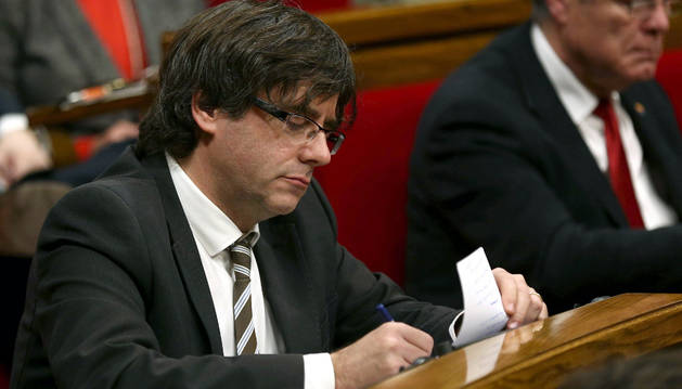 Carles Puigdemont, durante el pleno de investidura del Parlament de Cataluña.
