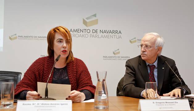 Ainhoa Aznárez Igarza y Gregorio Monreal Zia, en la apertura del simposio.