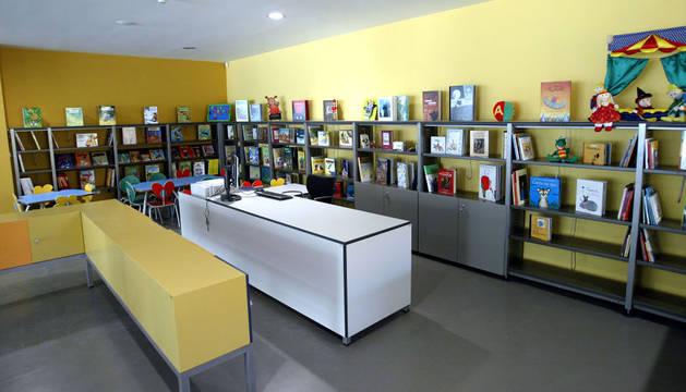 Biblioteca infantil de Civican.