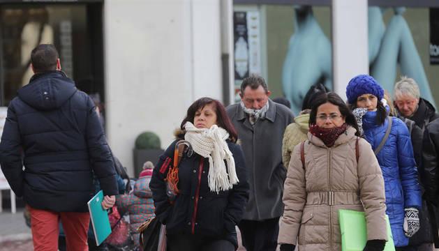 Estampa de frío en las calles de Pamplona.