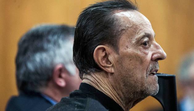 El exalcalde de Marbella, Julián Muñoz, en el banquillo de los acusados por el caso 'Goldfinger'.