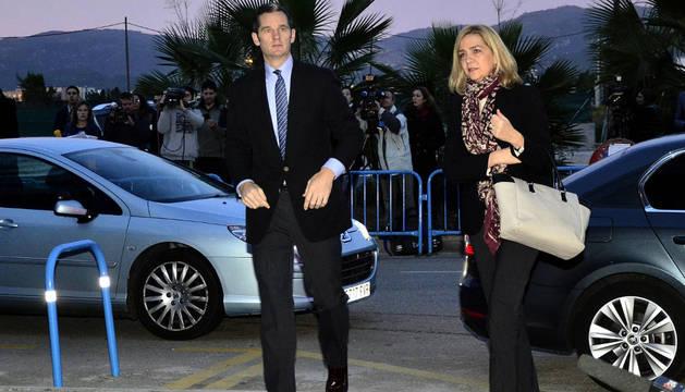 Iñaki Urdangarin y la infanta Cristina a su llegada al edificio donde se celebra el juicio del caso Nóos.