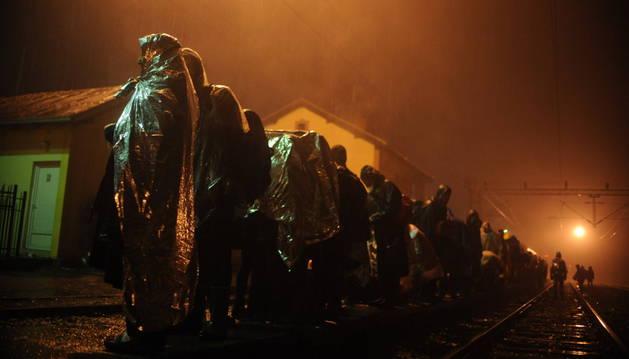 Un grupo de refugiados, tras alcanzar Europa.