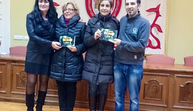 Raquel Pérez, Angelines San Juan, Beatriz Jurío y José Altino.