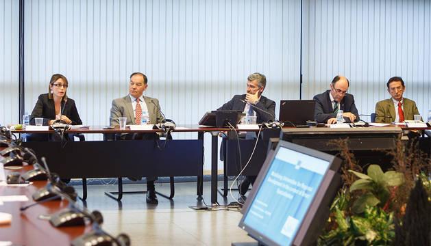 El Foro Social y Empresarial de la UPNA ha abordado su participación en la estrategia de especialización inteligente.