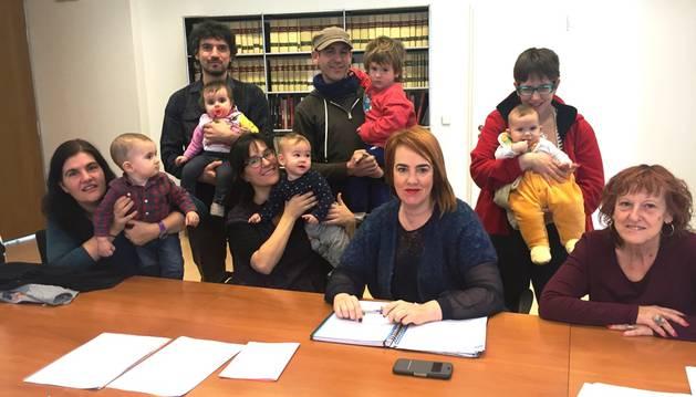 La asociación Amabizia presenta sus propuestas a Ainhoa Aznárez