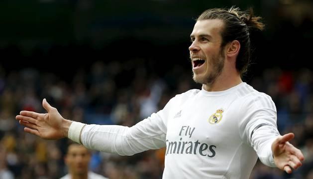 Bale, que se marchó lesionado, celebra el 1-0.